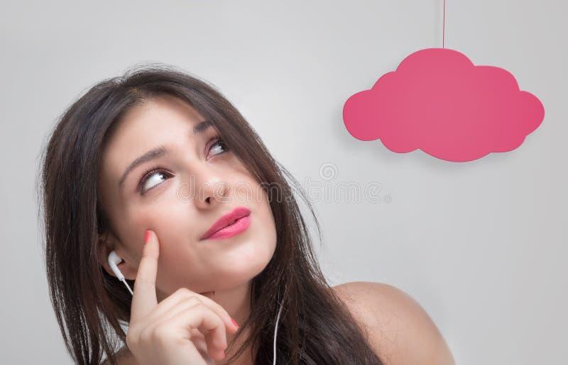 La Chica Joven Está Pensando Fotos De Stock - Descarga 53 Fotos ...