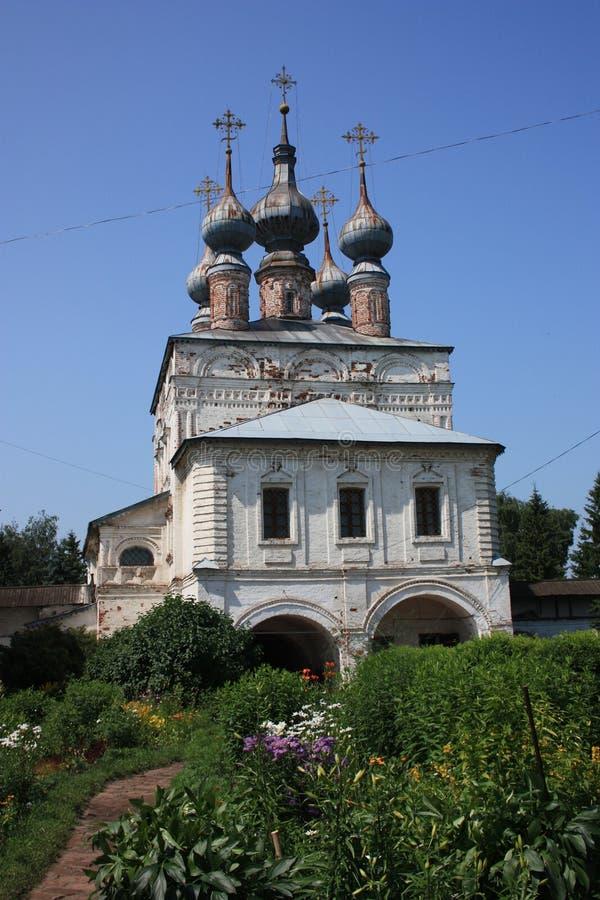 La chiesa del portone di St John il teologo nel monastero dell'arcangelo Michael. La Russia fotografia stock
