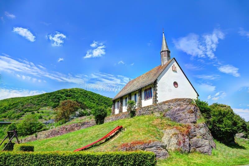 La chiesa del villaggio fotografia stock libera da diritti