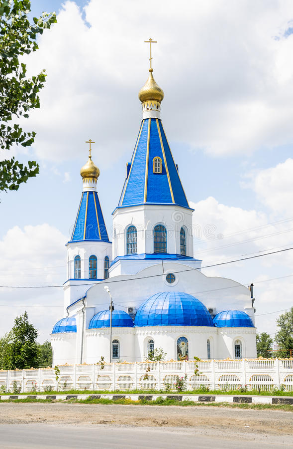 La chiesa dell'intercessione di vergine Maria benedetto nel cimitero nordico di Rostov-Na-Donu immagine stock