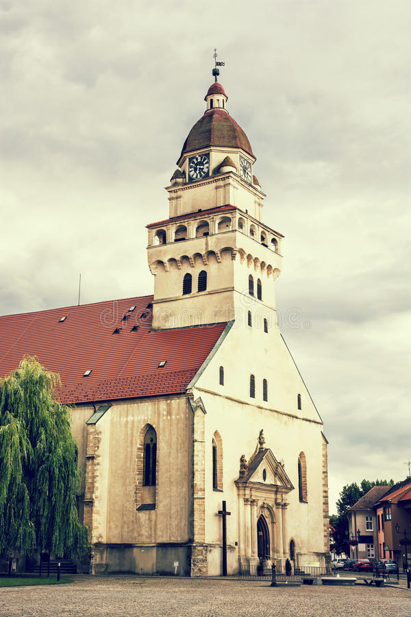 La chiesa di parrocchia dell'arcangelo Michael, Skalica, Slovacchia del san, macera fotografia stock libera da diritti