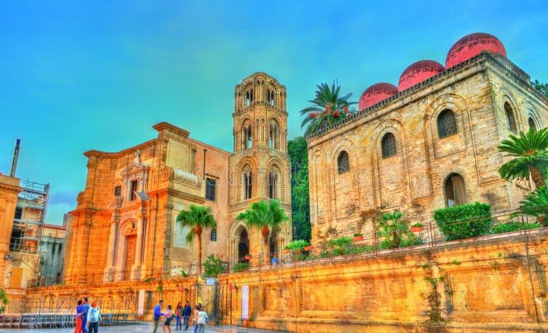 La chiesa di San Cataldo e il Martorana a Palermo, Italia fotografia stock