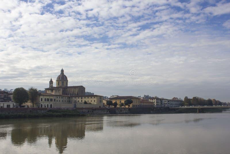 La chiesa di San Frediano e del Arno fotografia stock