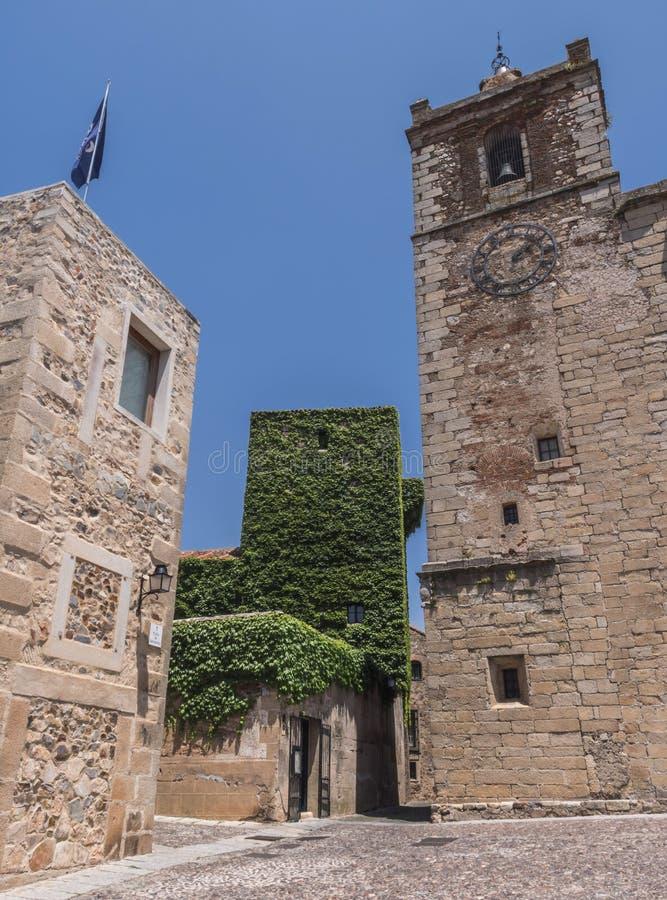 La chiesa di San Mateo e di Torre de Sande, è gotica, dal quattordicesima immagine stock