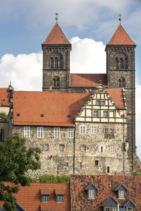 La chiesa storica di Stiftskirche in Quedlinburg, Germania fotografia stock libera da diritti