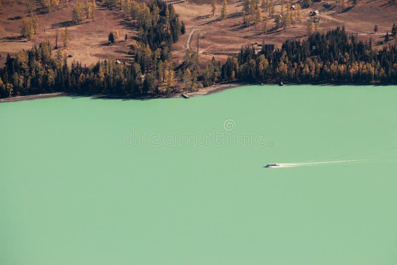 La Chine, le Xinjiang, lac de Kanas photos stock