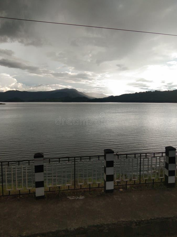 La chuleta en India, escenario del río al atardecer imagen de archivo