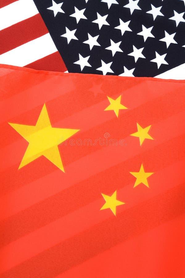 La Cina e bandierina degli S.U.A. immagini stock libere da diritti