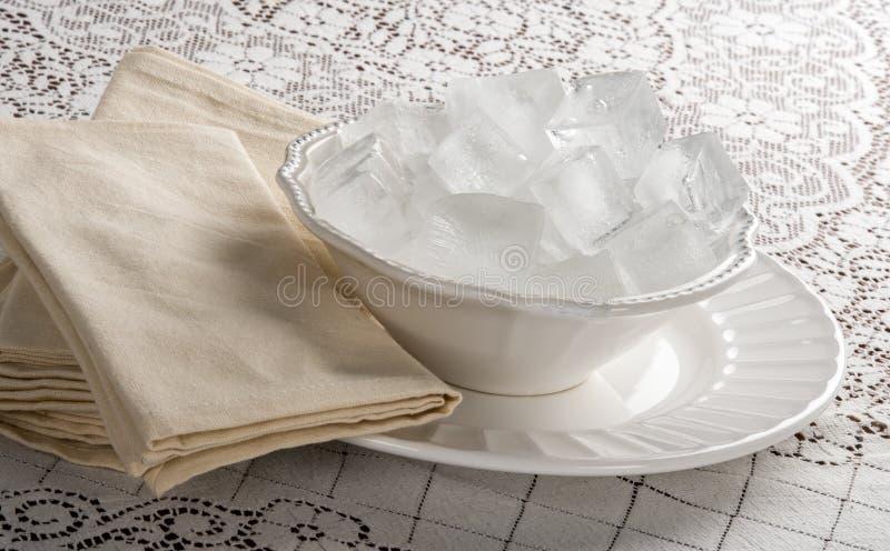 La ciotola Cometh del ghiaccio immagini stock libere da diritti