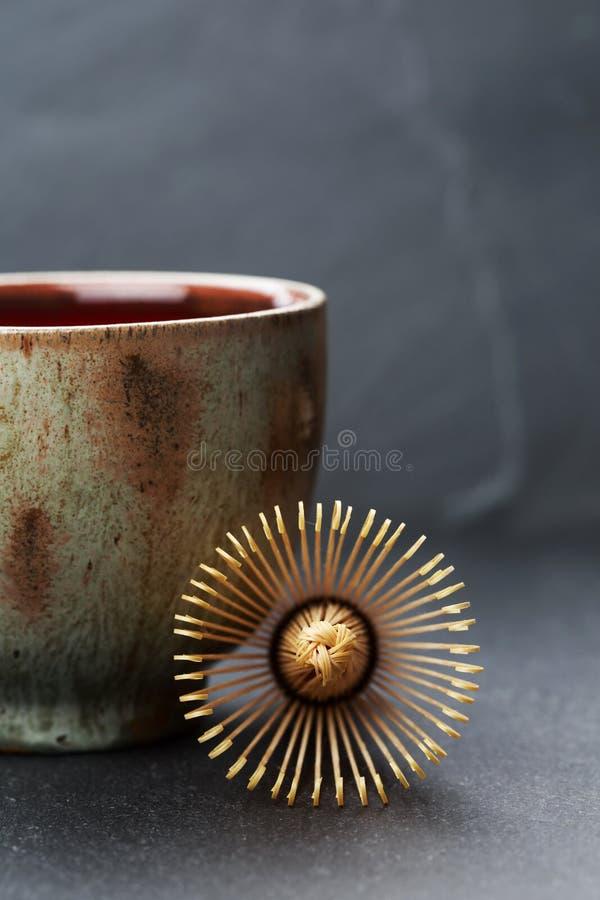 La ciotola della ceramica e chasen immagini stock libere da diritti