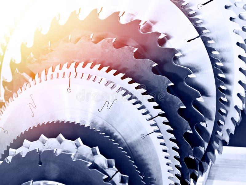 La circolare ha visto le lame della macchina per legno in deposito immagini stock libere da diritti