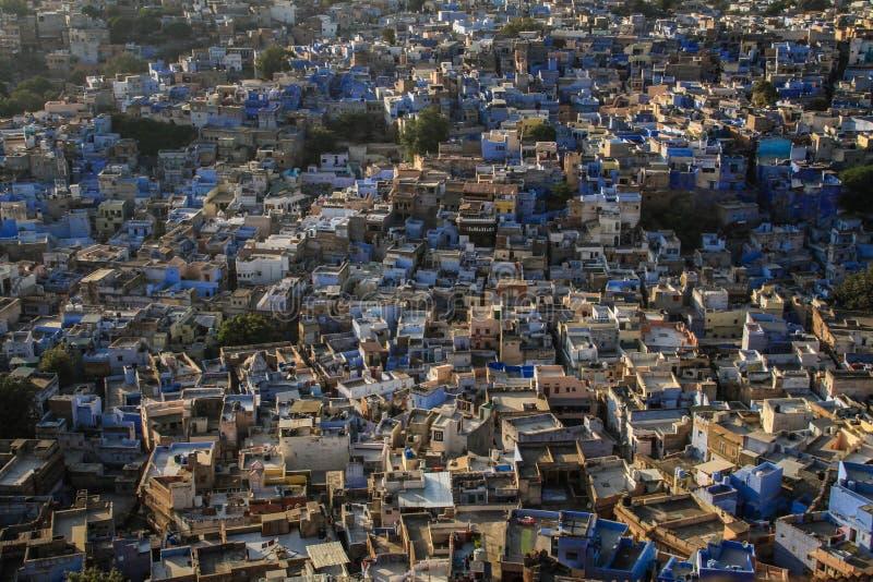 La città blu dal Mehrangarh Mehran Fort, Jodhpur, Ragiastan, India fotografia stock
