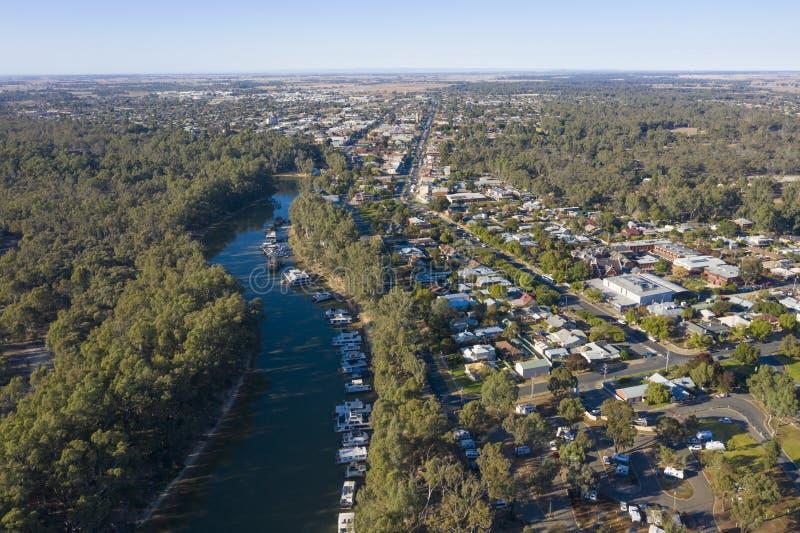 La città di Echuca sulle banche di Murray River fotografia stock libera da diritti