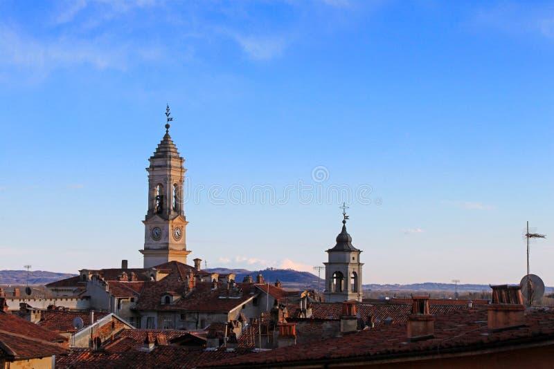 La città di Ivrea, Piemonte, Italia fotografia stock