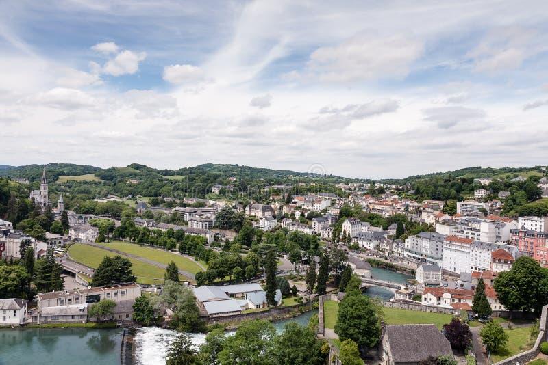 La città di pellegrinaggio di Lourdes immagini stock libere da diritti