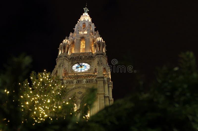 La città Hall Tower (il Rathaus) di Vienna immagine stock libera da diritti