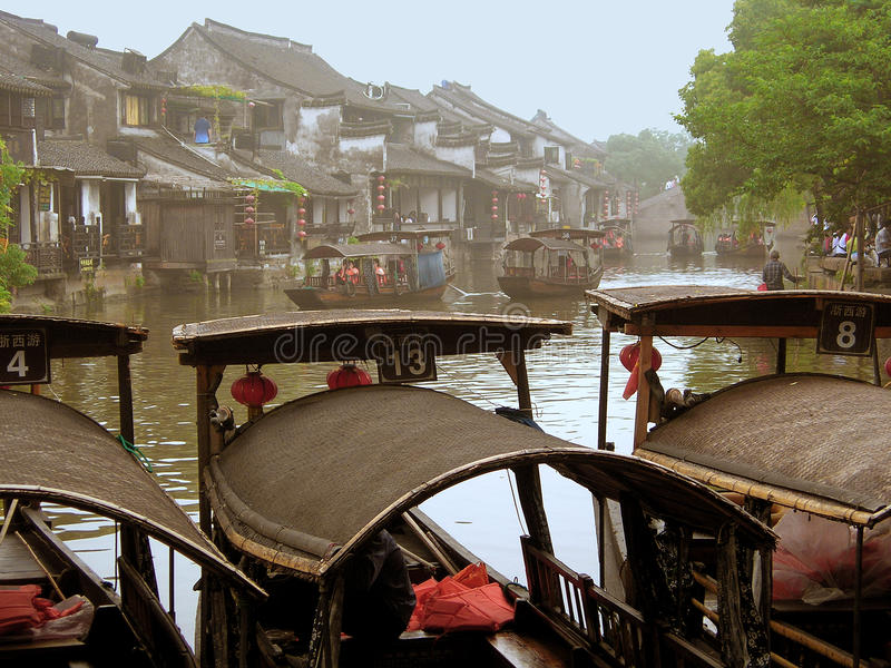 Download La Ciudad Antigua De Xitang Fotografía editorial - Imagen de vehículo, histórico: 41920712