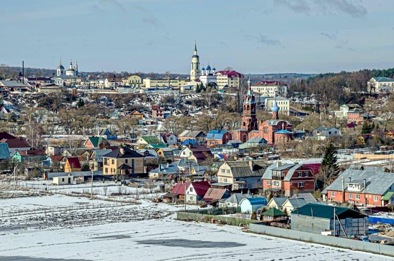 La ciudad de Borovsk, el río Protva fotos de archivo