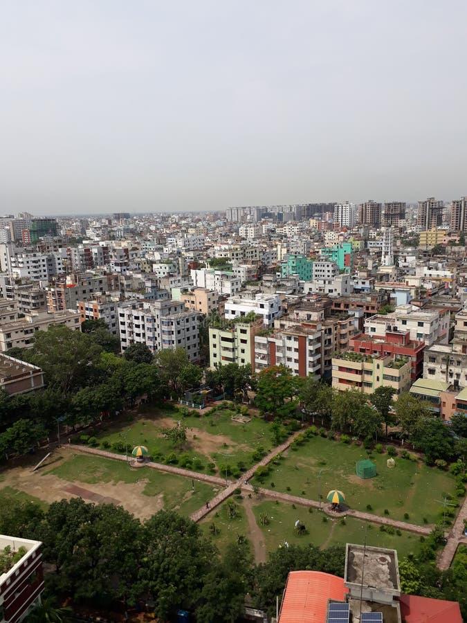 La ciudad de Dacca del futuro y yo pensamos que sería foto de archivo libre de regalías