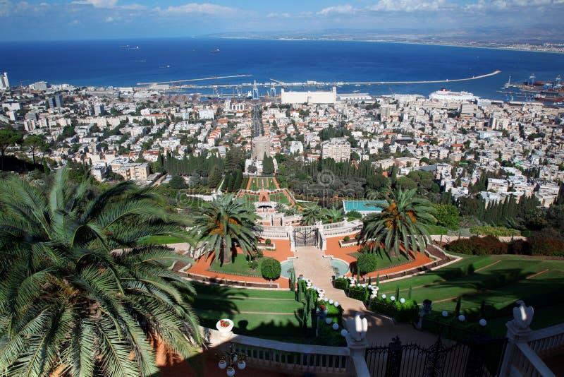 La ciudad de Haifa, vista del Bahai cultiva un huerto fotografía de archivo