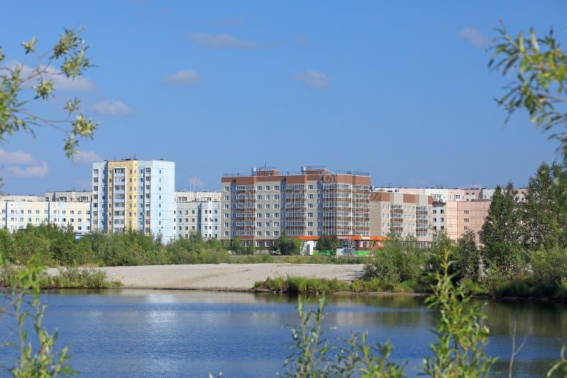 La ciudad de Nadym en el distrito autónomo de Yamalo-Nenets de Rusia foto de archivo libre de regalías
