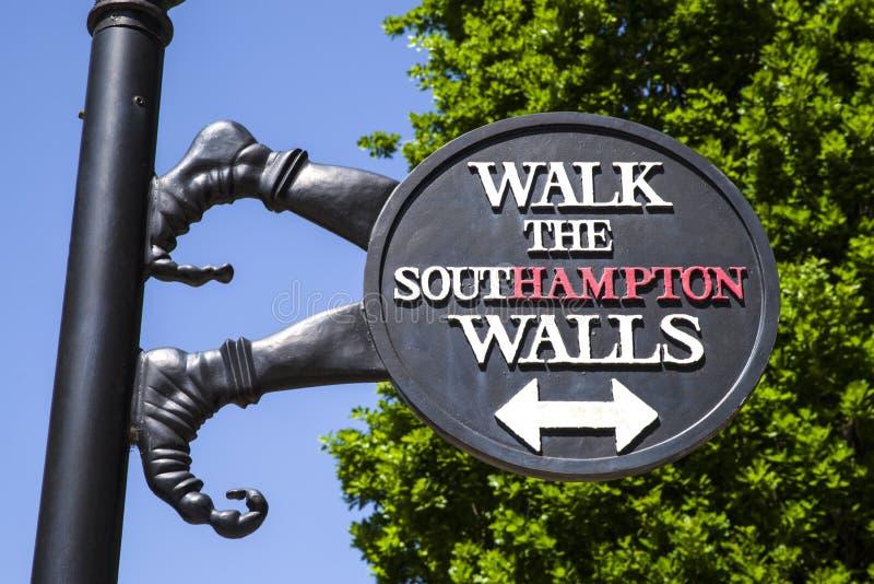 La ciudad de Southampton empareda la muestra foto de archivo