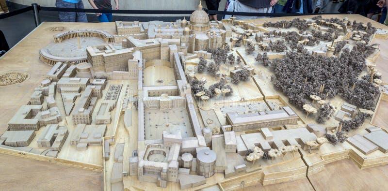 La ciudad del Vaticano en la disposición modelo miniatura, de madera de la ciudad se expone en museo del Vaticano imagen de archivo libre de regalías