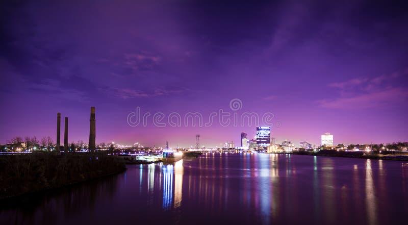La ciudad enciende horizonte fotografía de archivo