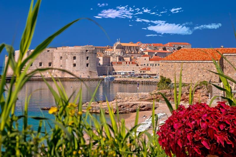 La ciudad histórica de Dubrovnik y Banje varan la visión fotos de archivo