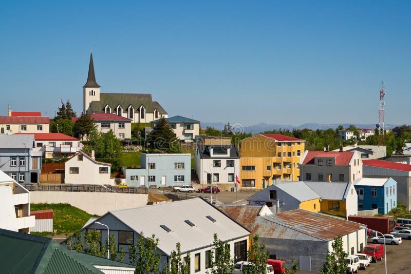 La ciudad islandesa Borgarnes imagen de archivo