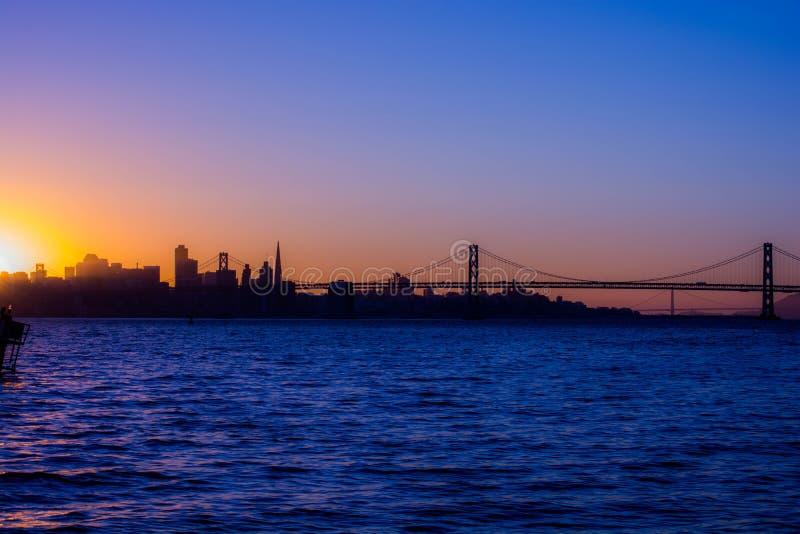 La ciudad por la bahía foto de archivo libre de regalías