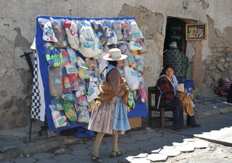 Download La Ciudad Potosi Habitantes Locales En Las Calles De La Ciudad Foto editorial - Imagen de mujer, américa: 42430831