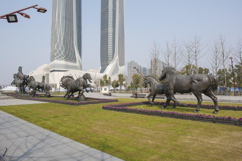 La ciudad se divierte el tipo escultura fotografía de archivo libre de regalías
