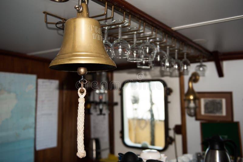 La cloche de Ship- utilisée pour différents appels, comme des appels d'avertissements pour des repas et l'alerte de fabrication images stock