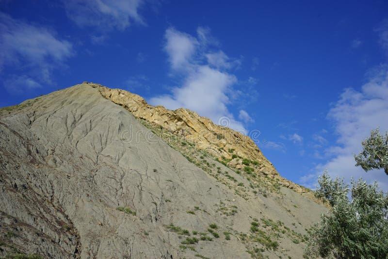 La colina del origen volcánico fotografía de archivo