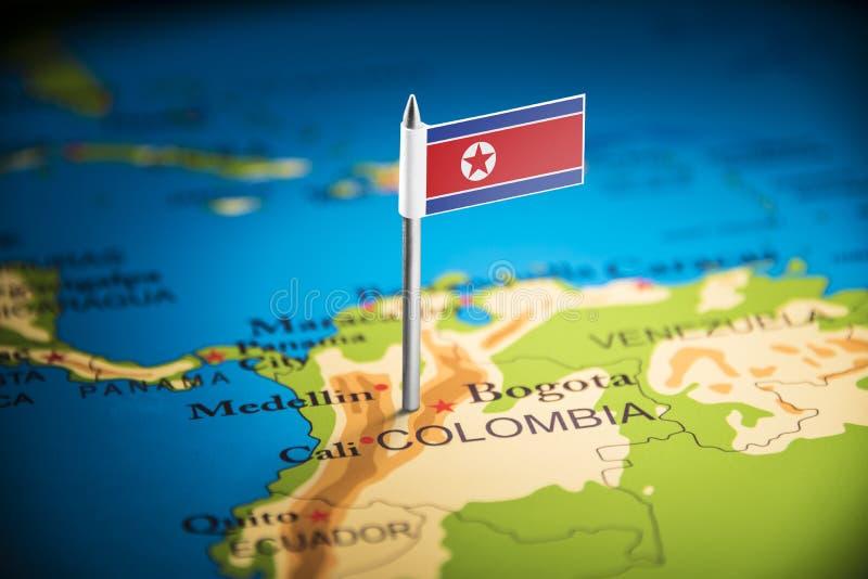 La Colombie a identifié par un drapeau sur la carte images stock