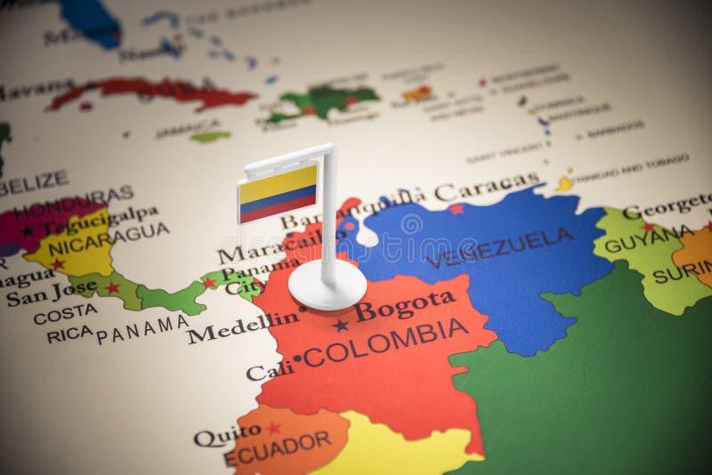 La Colombie a identifié par un drapeau sur la carte photo libre de droits