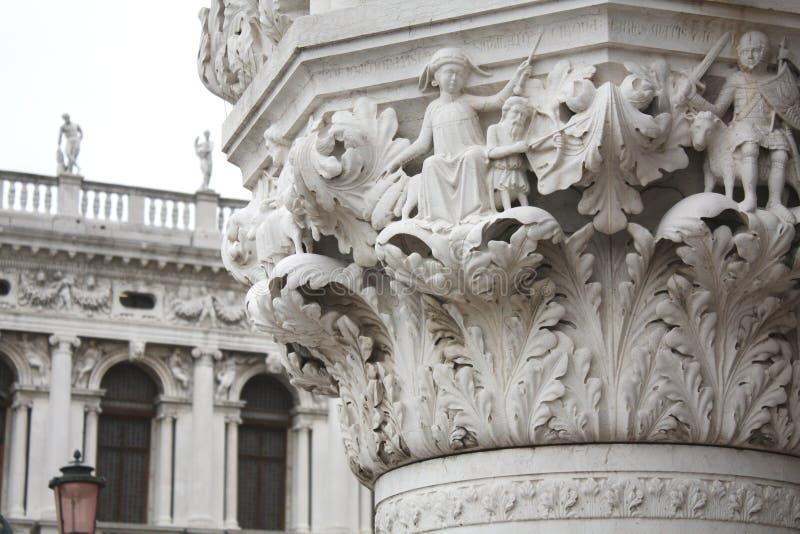 La colonna del palazzo ducale Quadrato di San Marco a Venezia Italy Dettagli della colonna immagine stock