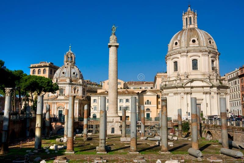 La colonna di Trajan, tribuna, Roma, Italia. fotografia stock libera da diritti