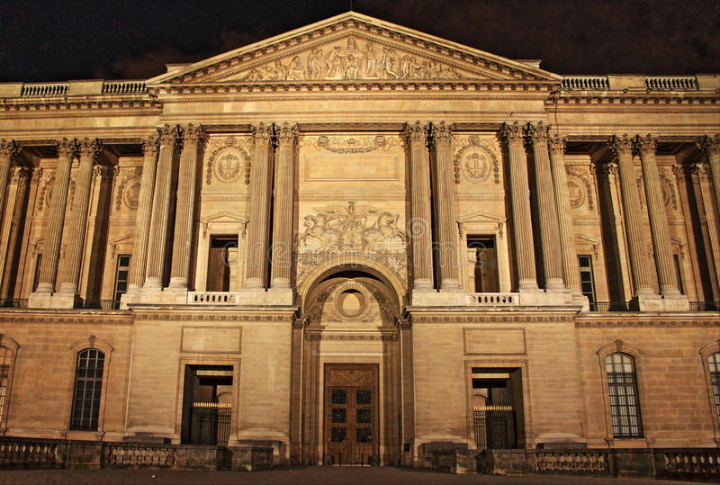 La colonnade de Perrault par nuit photographie stock libre de droits