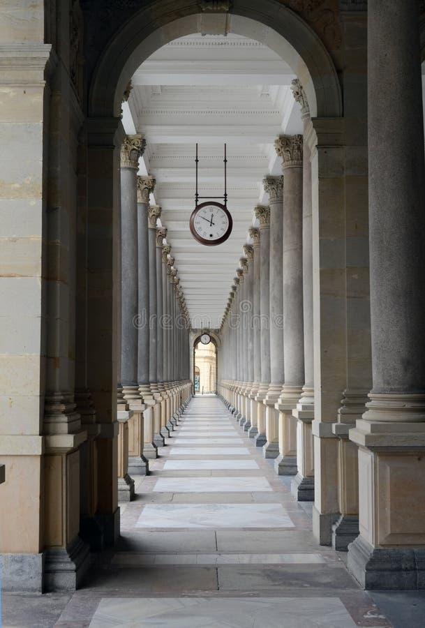 La colonnato del laminatoio in Karlovy varia fotografia stock