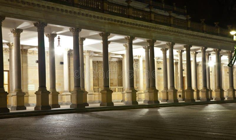 La colonnato in Karlovy varia fotografia stock