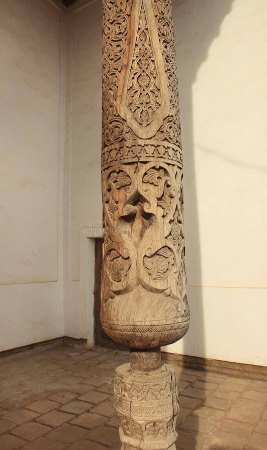 La colonne de la mosquée dans Ichan Kala dans la ville de Khiva, l'Ouzbékistan image libre de droits