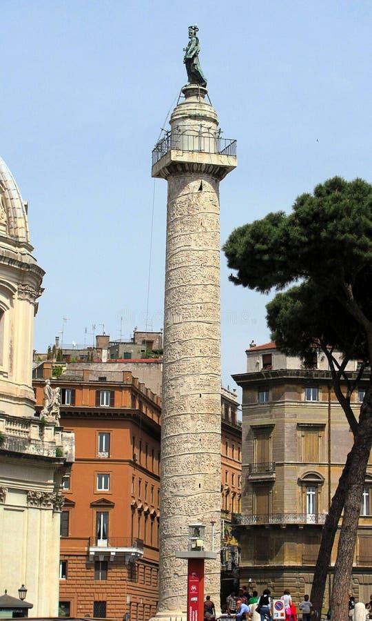 La colonne de Trajan - colonne triomphale romaine à Rome, Italie photo libre de droits