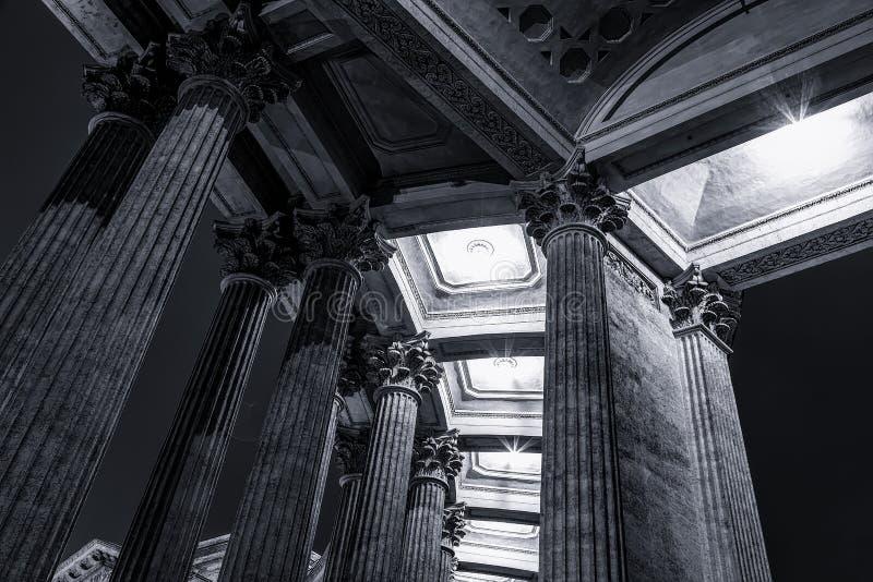 La columnata de la catedral de Kazan, St - Petersburgo, Rusia imagenes de archivo