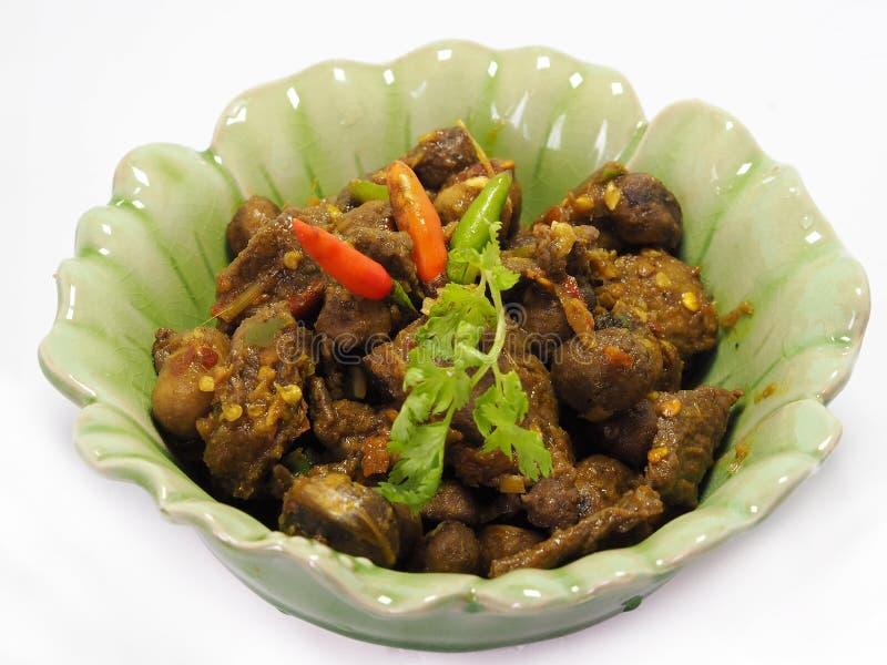 La comida meridional tailandesa, carne de vaca frió con curry del chile imagen de archivo
