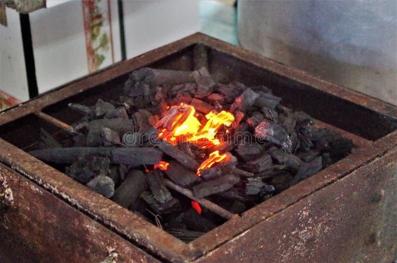 La comida típica Tegucigalpa del mercado de Honduras redried habas rojas foto de archivo