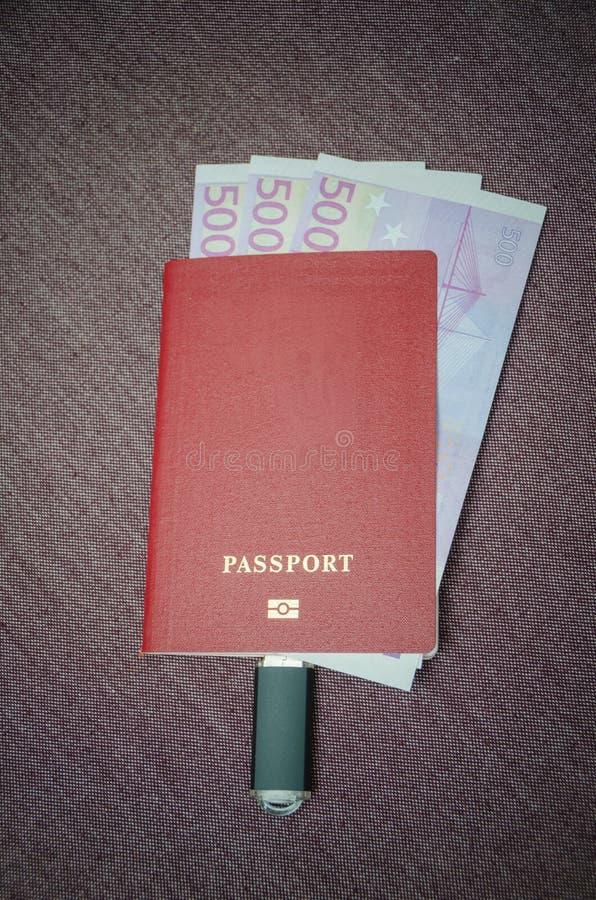 La commande instantanée est reliée au passeport du citoyen de t photo stock