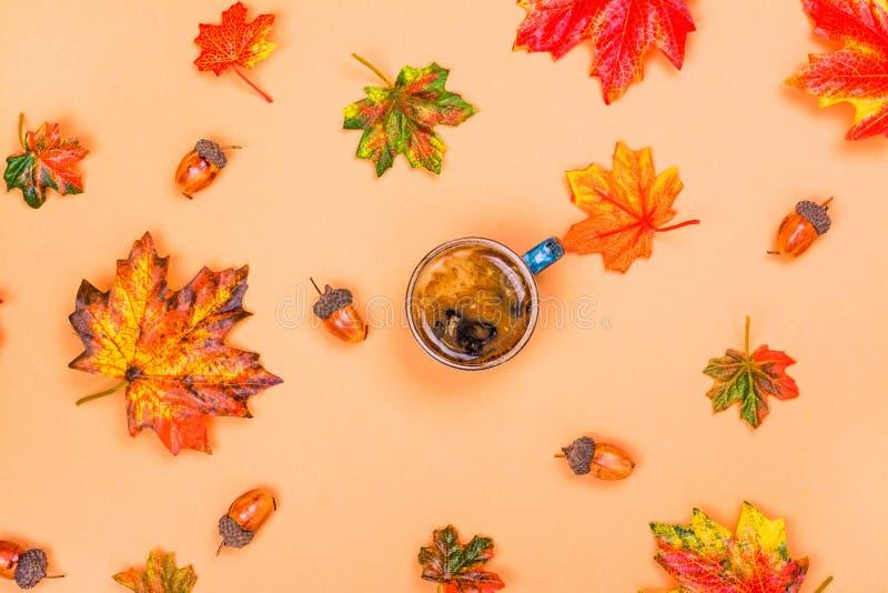 La composition en automne, café, part photos libres de droits