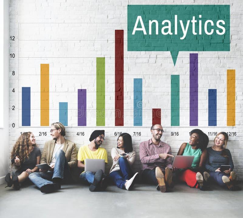 La comprensione dell'analisi di analisi dei dati collega il concetto di dati immagine stock libera da diritti